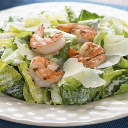 salade césar aux crevettes-min