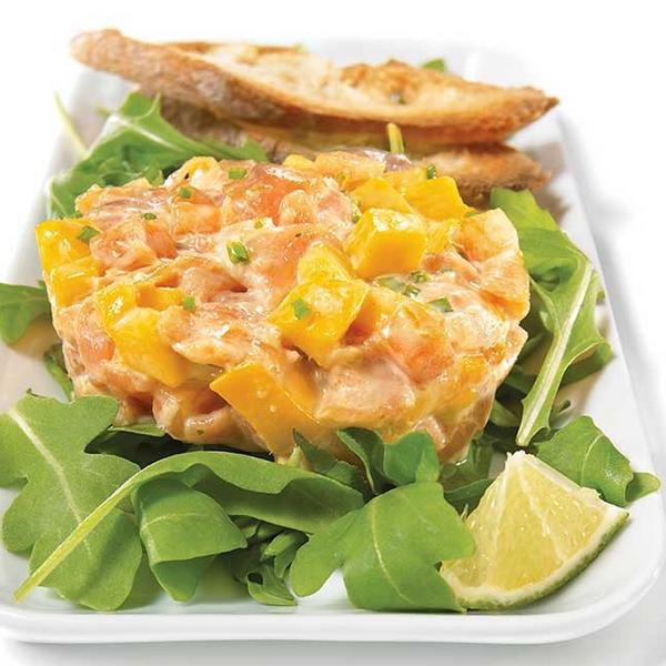 Salade roquette et tartare de saumon gravlax maison